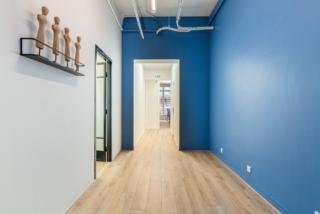 Le-triplex-de-lopera-après-les-travaux-d'aménagement-par-Mymood-couloir